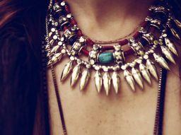 5-colliers-qui-vous-donneront-l-air-fashion